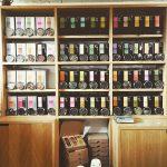 Notre salon de thé : tout ce que vous dégustez vous pouvez l'acheter dans la boutique